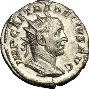 D/ Trajan Decius (249-251). AR Antoninianus, Mediolanum mint, 250-251.  D/ Bust right, radiate, draped, cuirassed. R/ Genius standing left, wearing modius on head and short cloak, holding patera and cornucopiae. RIC 38. AR. g. 3.59  mm. 21.00    About EF/Good VF.