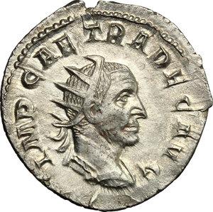 D/ Trajan Decius (249-251). AR Antoninianus, Mediolanum mint, 250-251.  D/ Bust right, radiate, draped, cuirassed. R/ Genius standing left, wearing modius on head and short cloak, holding patera and cornucopiae. RIC 38. AR. g. 3.66  mm. 22.00    About EF/Good VF.