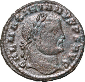 D/ Galerius (305-311). AE 25mm, Cyzicus mint, 311 AD.  D/ Head right, laureate. R/ Genius standing left, wearing modius on head and chlamys over left shoulder, pouring liquid from patera and holding cornucopiae. RIC 65. AE. g. 7.04  mm. 25.00    VF.