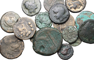 Multiple lot of 17 Roman Republican and Roman Imperial AE coins