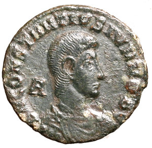 D/ Constantius Gallus Caesar (351-354). Siscia. AE2. D N CONSTANTIVS IVN NOB C. Bareheaded, draped and cuirassed bust r.; A behind to l. R/ FEL TEMP REPARATIO, Constantius standing l. on galley, holding labarum and phoenix upon globus; Victory to right, steering galley; III to l., star above. BSIS in exergue.  RIC 329 AE g. 3,82. about EF