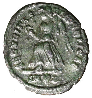 R/ Valens (364-367). Rome. AE3. D N VALEN-S P F AVG. Pearl-diademed, draped, and cuirassed bust r. R/SECVRITAS REIPVBLICAE. Victory advancing l. with palm branch and wreath. RIC 17b AE g. 2,32. EF