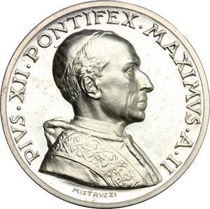 obverse: Pio XII (1939-1959), Eugenio Pacelli di Roma. . Medaglia annuale, A. II
