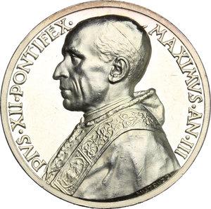 obverse: Pio XII (1939-1959), Eugenio Pacelli di Roma. . Medaglia annuale, A. III
