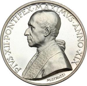 obverse: Pio XII (1939-1959), Eugenio Pacelli di Roma. . Medaglia annuale, A. XIX