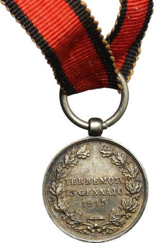 reverse: Vittorio Emanuele III (1900-1940). Medaglietta per il terremoto della Marsica, 13 giugno 1915