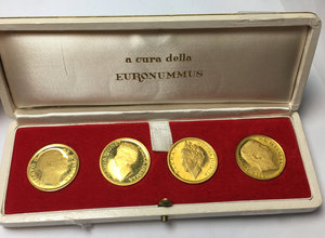 obverse: Piccola serie di 4 medaglie in oro con le effigi di Vittorio Emanuele III, Elena del Montenegro, Umberto II e Maria José del Belgio