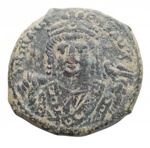 obverse: Bizantini - Maurizio Tiberio. 582-602 d.C.Æ follis. Antiochia. Peso 10,4 gr. Diametro 28,3 mm. BuonBB+. Patina verde