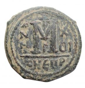 reverse: Bizantini - Maurizio Tiberio. 582-602 d.C.Æ follis. Antiochia. Peso 10,4 gr. Diametro 28,3 mm. BuonBB+. Patina verde