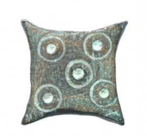 obverse: Bizantini. Peso in bronzo con cinque globetti. Peso 4,25 gr. SPL.§