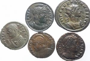 obverse: Lotti.Impero Romano.Lotto di 5 monete imperiali del IV secolo in ottima conservazione.