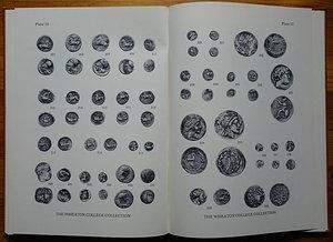 reverse: Bishop J.D., Holloway R.R., Wheaton College Collection of Greek and Roman Coins. Ancient Coins in North American Collections. The American Numismatic Society, New York 1981. Copertina rigida, 32pp., 32 tavole B/N. Ottime condizioni