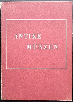 obverse: Lange K., Antike Münzen. Verlag Gebr. Mann, Berlin 1947. Brossura editoriale, 50pp., illustrazioni B/N, testo tedesco. Buone condizioni