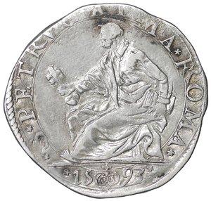 D/ Stato Pontificio. ROMA. Clemente VIII (1592-1605). Testone 1593. 9.15 gr. – 31.2 mm. D:\ Stemma ovale in cornice. R:\ Il Santo seduto a s. CNI 28; Munt. 32a. Raro. SPL
