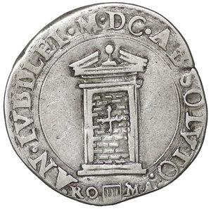R/ Stato Pontificio. ROMA. Clemente VIII (1592-1605). Testone A. IX. 9.36 gr. – 29.3 mm. D:\ Stemma ovale in cornice. R:\ Porta Santa chiusa CNI 113; Munt. 12. Rara. qSPL