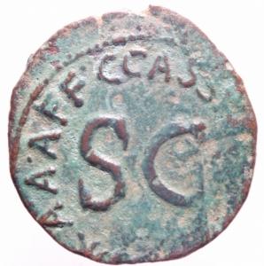 reverse: Impero Romano. Augusto. 43 a.C.-17 d.C. Asse. D/ CAESAR AVGVSTVS TRINVNIC POTEST Testa di Augusto verso destra. R/ C CASSIVS CELER IIIVIR AAAFF Intorno SC. RIC.376. Peso 9,00 gr. Diametro 28 mm. qBB. Patina.>>