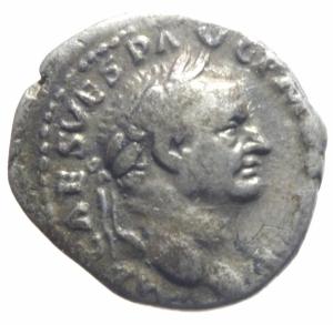 obverse: Impero Romano. Vespasiano. 69-79 d.C. Denario. D/ IMP CAES VESP AVG PMI Testa laureata verso destra. R\ TRI POT Vesta con simpulum seduta verso sinistra. RIC.37. Peso 3,17 gr. Diametro 18,28 mm.BB.>>