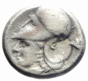 reverse: Mondo Greco. Corinto. 345-307 a.C. Statere. AG. D/ Pegaso che vola a sinistra. Sotto koppa. R/ Testa di Athena a sinistra. Dietro scudo macedone, sotto A P. Peso gr. 7,90. BB.w