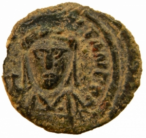 obverse: Bizantini. Tiberio II Costantino. 578-582 d.C. Ae. Mezzo Follis. Zecca Roma. Sear 467. Peso 4,70 gr. Diametro 21,17 mm. BB+. R.=