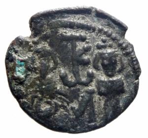 obverse: Bizantini Constante II. 641-668. AE follis Siracusa. D\Constante con Costantino IV, R /grande M, Eraclo e Tiberio coronati , TKw in monogramma . SBV 1110; DOC 181.BB.w
