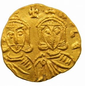 reverse: Bizantini. Costantino V. 741-775 d.C. Solido. AU. Siracusa. D/ [CON]TAN LE[ON]. I busti di fronte di Costantino V e Leone IV, che indossano corona e clamide. Sopra croce. R/ [GNO LEO] N PAM. Il busto di fronte di Leone III che indossa corona e loros e tiene croce potenziata. D.O. 15. Sear 1565. Peso 3,75 gr. Diametro 22,00 mm. SPL+.Fondi a specchio=