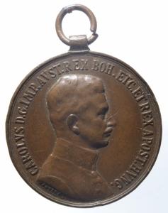 obverse: Medaglie.Austria.Carlo I. Ae.FORTITVDINI in corona d  alloro.Peso 15,50 gr.BB+.^^^