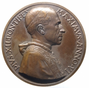 obverse: Medaglie. Roma. Pio XII. 1939-1958. Medaglia 12 Marzo 1944.DEFENSOR CIVITATIS . Opus Mistruzzi. Peso gr. 35,20. Diametro mm. 44. FDC.>>>