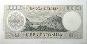 reverse: Banconote. Repubblica Italiana. 100.000 lire Alessandro Manzoni. Dec. Min. 6-02-1974. Gig. BI85C. Tracce di pieghe stirate, foro in alto a destra, nel complesso. BB/BB+. R.