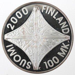 obverse: Monete Estere. Finlandia. 100 Markkaa 2000. Ag 925. Km. 92. Peso gr. 22,12. Diametro mm. 35.FDC Proof. Patina.