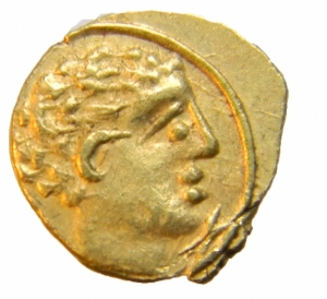 obverse: Mondo Greco. Etruria.Populonia. 10 assi, c. 211-206 a.C. D/ Testa maschile destra. Sotto, segno del valore X). R/ Liscio. Vecchi 29\12. AU. g. 0,54 mm. 8.00 R. SPL+. Raro e di grande qualità. Ex CNG 84 lotto 21 del 5\5\2010 Questa serie etrusca in oro, emessa negli anni della seconda guerra punica, presenta segni di valore che si riferiscono all asse di bronzo introdotto sullo standard di quello romano sestantale circa nel 211 a.C.