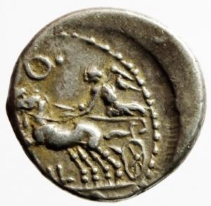reverse: Repubblica Romana. Gens Coelia. Caius Coilius Caldus. 104 a.C. Denario. Ag. D/ Testa di Roma verso sinistra. R/ C. COIL. CALD. (Caius Coilius Caldus). Vittoria su biga verso sinistra. Cr. Cr.318/1a. Peso 3,97 gr. Diametro 18,79 mm. BB+.