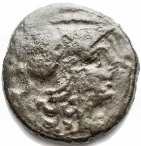 obverse: Mondo Greco - Apulia, Teate.Quincunx, ca. 225-200 a.C.D/ Testa di Athena a destra con elmo corinzio. Sopra, cinque globetti.R/ TIATI. Civetta stante a destra su capitello ionico. A destra, cinque globetti.HN(Italy) 702a. SNG ANS 746.AE.g 13,02.mm 25,7 x 26,7. MB - qBB.