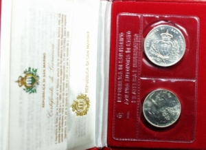 obverse: San Marino. Dittico 1993 a Corso legale in argento. Mondo animale in pericolo. In confezione originale. FDC.