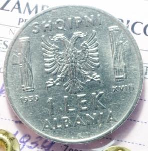 obverse: Casa Savoia. Vittorio Emanuele III. Albania. 1939-1943. 1 Lek 1939. Ac. qFDC. Periziata Zamboni. R.