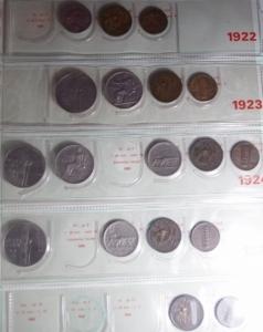 reverse: Casa Savoia.Vittorio Emanuele III.Album con resti di collezione di 123 monete, conservazioni miste, escluse rarità.