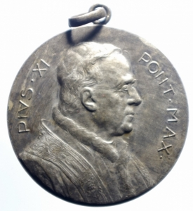 obverse: Medaglie.Pio XI.1925 Anno Giubilare.Apertura della porta Santa.Peso 17,10 gr.BB+.***