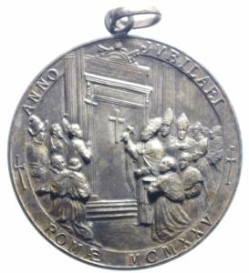 reverse: Medaglie.Pio XI.1925 Anno Giubilare.Apertura della porta Santa.Peso 17,10 gr.BB+.***