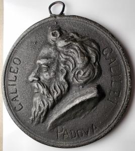 obverse: Medaglie - Galileo Galilei. Padova. Medaglia in metallo. gr 86,73. mm 66,7. Le date della nascita e della morte non corrispondono ??