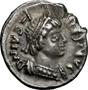 obverse: Ostrogothic Italy. Theoderic (493-526).. AR Quarter Siliqua in the name of Justin I, Ravenna mint, 518-526 AD