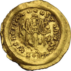 reverse: Ostrogothic Italy, Athalaric to Witigis.. AV Tremissis in the name of Justinian I. Rome or Ravenna mint, 527-540 AD