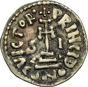 reverse: The Lombards at Salerno. Siconulf, Usurper in Salerno (839-849).. Pale AV Solidus