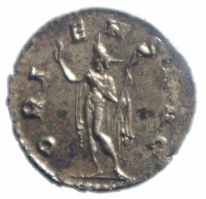 reverse: Impero Romano. Gallieno. 260-268 d.C. Antoniniano. Ar. Mediolanum. D\ Testa radiata a destra. R/ ORIENS AVG Sole stante a sinistra con globo. RIC V. Peso 2,15 gr. Diametro 21,00 mm. qSPL.