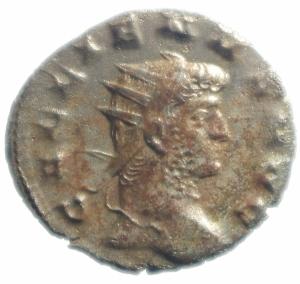 obverse: Impero Romano. Gallieno. 253-268 d.C. Antoniniano. AG. D/ IMP C P LIC GALLIENVS AVG. Busto radiato, drappeggiato e corazzato a destra. R/ VIRTVS AVGG. Soldato stante a sinistra, tiene lancia e scudo. RIC 181. Peso gr. 3,05. Diametro mm. 22,10. SPL. Ottimo argento