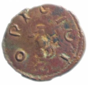 reverse: Impero Romano .Tetrico I. 271-274 d.C. Antoniniano imitativo. D/ IMP TETRICVS P F AVG Busto radiato verso destra. R/ ORICICI divinità stante . Peso 2,05 gr. Diametro 17,00 mm. qSPL.Patina cuoio.