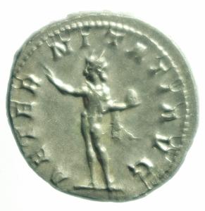 reverse: Impero Romano. Gordiano III. 238-244 d.C. Antoniniano. Ag. D\ IMP GORDIANVS PIVS PFEL AVG Busto radiato verso destra. R\ AETERNITATI AVG il Sole stante verso sinistra regge il globo. RIC.82. Peso 4,40 gr. Diametro 23,00 mm.FDC\SPL.