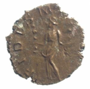 reverse: Impero Romano .Tetrico I. 271-274 d.C. Antoniniano. D/ IMP TETRICVS P F AVG Busto radiato verso destra. R/FIDES MILITVM la Fides tra 2 stendardi legionari. Peso 2,05 gr. Diametro 18,00mm. qSPL\BB Patina cuoio.