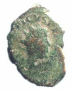 obverse: Impero Romano. Tetrico II. 270-273 d.C. Antoniniano imitativo. AE. D/ C PIV ESV TETRICVS CAES, Busto radiato verso destra. R / HILARITAS . Peso 6,45 gr. Diametro 23,15 mm. BB.Moneta molto interessante di peso largamente eccedente