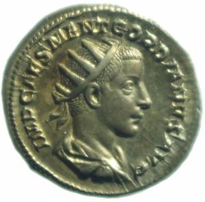 obverse: Impero Romano. Gordiano III. 238-244 d.C. Antoniniano. D/ IMP GORDIANVS PIVS FEL AVG Busto radiato verso destra. R/ IOVI CONSERVATORI Giove con scettro regge un aquila ai suoi piedi Gordiano. RIC 2. Peso 4,15 gr. Diametro 22,64 mm. SPL+.Patina Iridescente