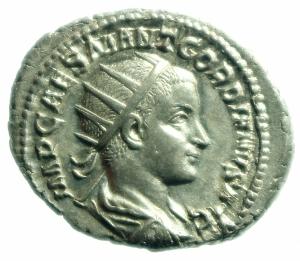 obverse: Impero Romano. Gordiano III. 238-244 d.C. Antoniniano. Ag. D\ D/ IMP CAES M ANT GORDIANVS AVG Testa radiata verso destra. R/ PROVIDENTIA AVG La Provvidenza con scettro e globo stante verso sinistra. RIC.4. Peso 4,05 gr. Diametro 23,5 mm.FDC\qSPL