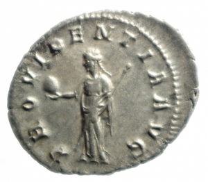 reverse: Impero Romano. Gordiano III. 238-244 d.C. Antoniniano. Ag. D\ D/ IMP CAES M ANT GORDIANVS AVG Testa radiata verso destra. R/ PROVIDENTIA AVG La Provvidenza con scettro e globo stante verso sinistra. RIC.4. Peso 4,05 gr. Diametro 23,5 mm.FDC\qSPL